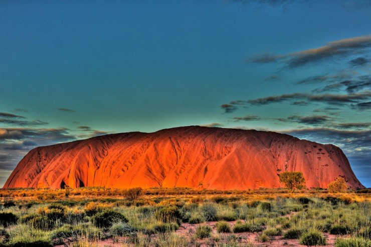 Travel Australia สถานที่ท่องเที่ยวในออสเตรเลียUluru (or Ayers Rock)