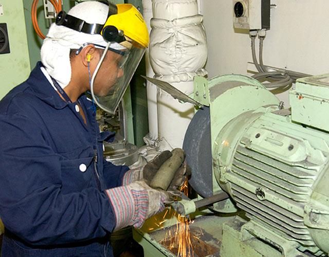 ทำงานเรือ ท่องเที่ยวรอบโลก รายได้ดี 004