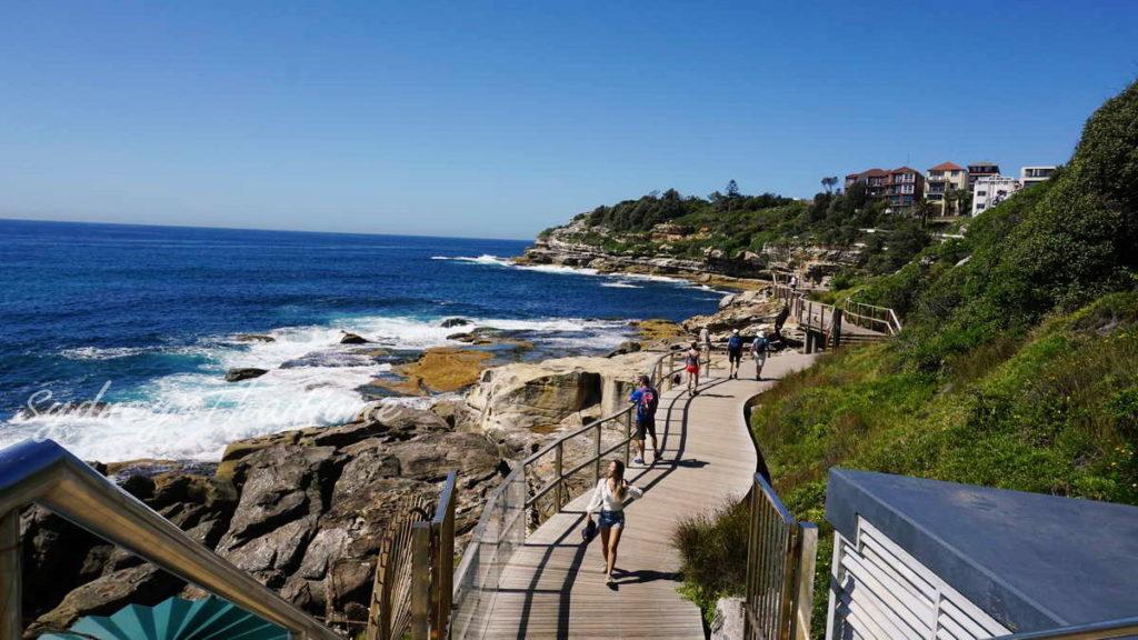 Coastal walk Bondi Beach เที่ยวกับแซนดี้ Sydney Australia