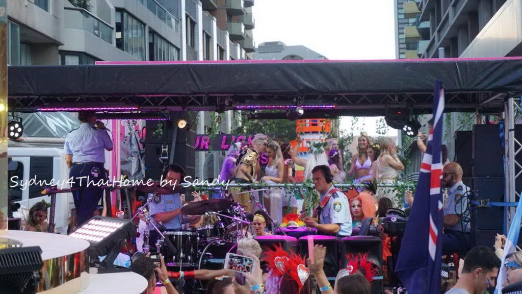 Australia เที่ยวงานเกย์เลส ที่ ซิดนีย์ Sandy พาตะลุย งาน มาดิการ์ Mardi Gras